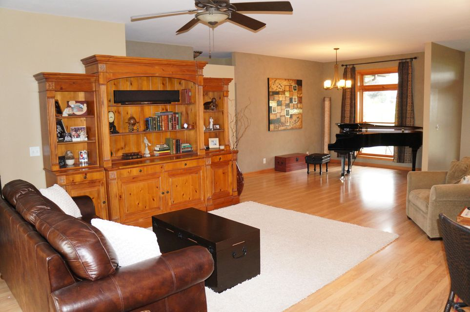 S5407 EAGLE DR<br /> Viroqua,Vernon,54665-6614,5 Bedrooms Bedrooms,4 BathroomsBathrooms,Single-family,EAGLE DR,1447802