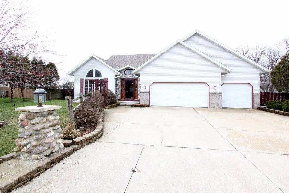 3615 E Northbrook Blvd Oak Creek Wi 53154 Home For Sale