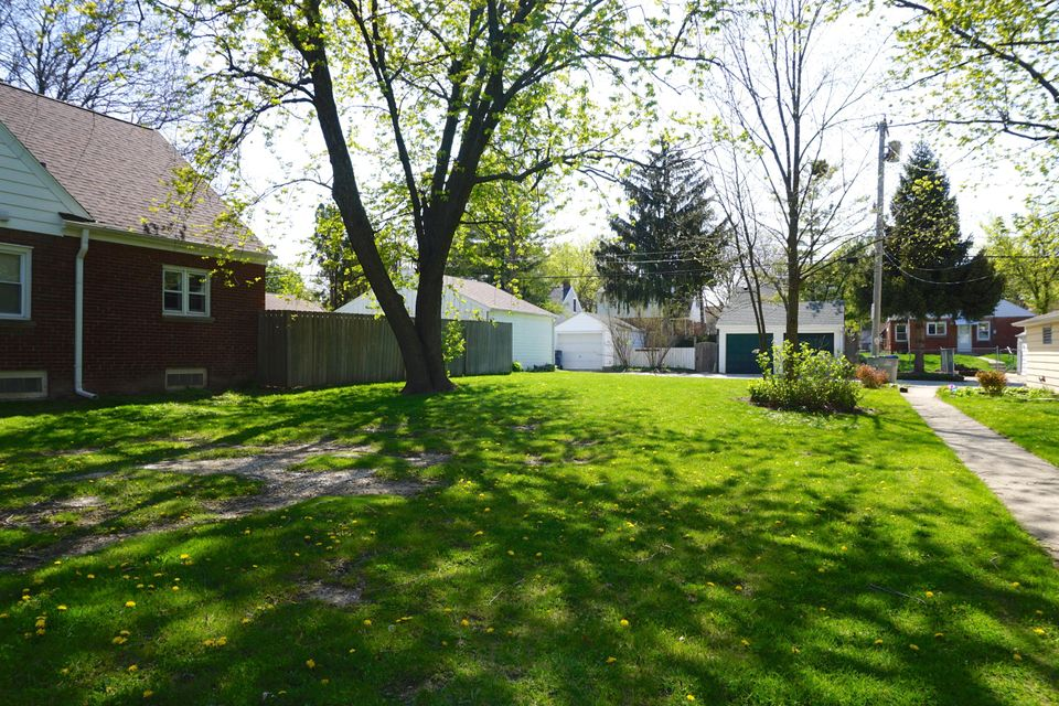 2823 82nd St,Milwaukee,Wisconsin 53222,Vacant Land,82nd St,1528948