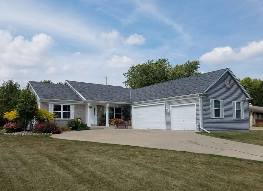 W226n3977 country ln pewaukee wi 53072 for Bureau for sale near me