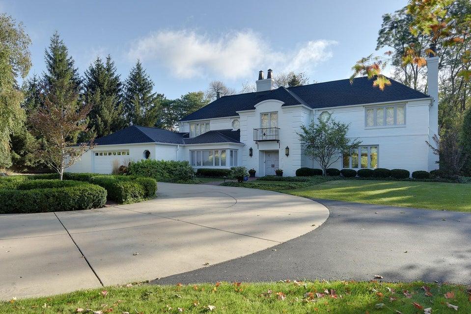1600 highland dr elm grove wi 53122 for Bureau for sale near me