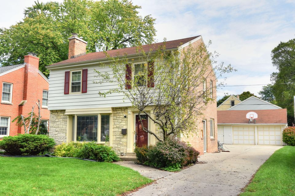 2556 n 83rd st wauwatosa wi 53213 for Bureau for sale near me
