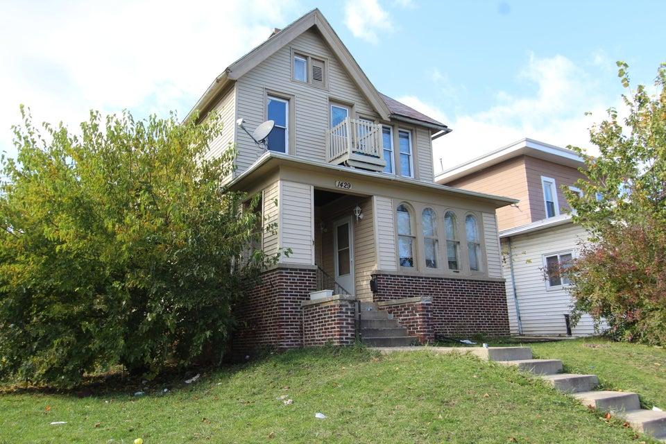 1429 5th ST,Milwaukee,Wisconsin 53204,3 Bedrooms Bedrooms,6 Rooms Rooms,1 BathroomBathrooms,Two-Family,5th ST,1,1556403