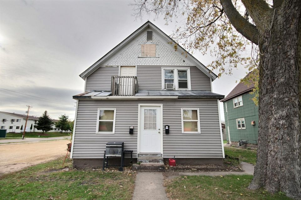 147-155 Copeland AVE<br /> La Crosse,La Crosse,54603,2 Bedrooms Bedrooms,1 BathroomBathrooms,Two-family,Copeland AVE,1552846