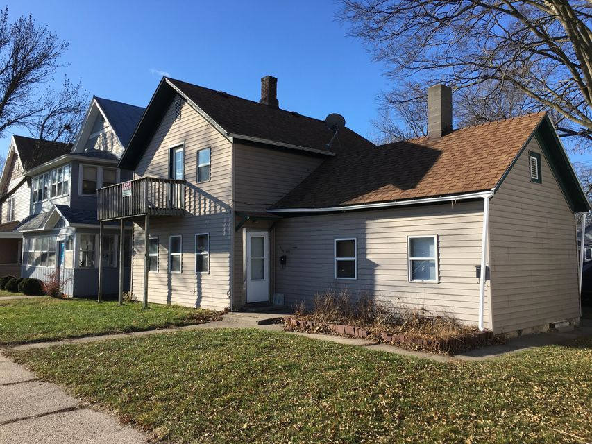 1447-1449 Avon ST<br /> La Crosse,La Crosse,54603,3 Bedrooms Bedrooms,1 BathroomBathrooms,Two-family,Avon ST,1560319