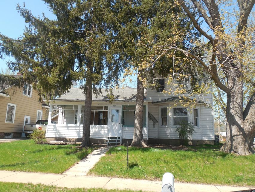 300 Central Ave<br /> Sparta,Monroe,54656,2 Bedrooms Bedrooms,1 BathroomBathrooms,Two-family,Central Ave,1580467
