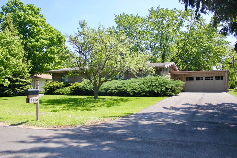 7500 Seneca Rd,Fox Point,Wisconsin 53217,3 Bedrooms Bedrooms,2 BathroomsBathrooms,Rentals,Seneca Rd,1589494