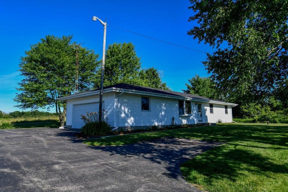 N6611 Morgan Rd Concord, WI 53066