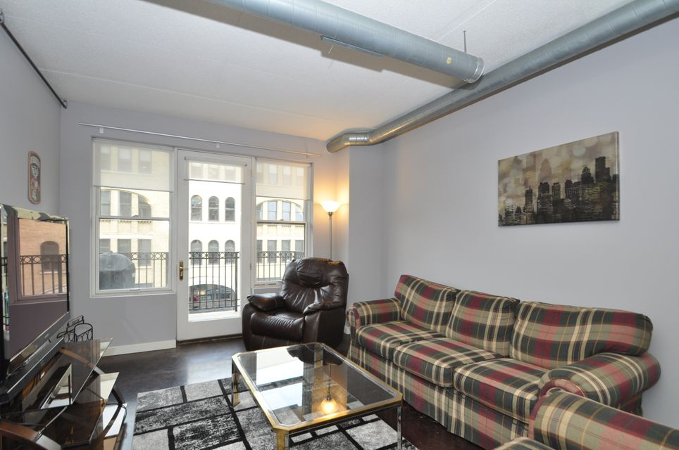 102 N Water St 309 Milwaukee 53202 Sold Listing Mls 1596505 Snail Wi