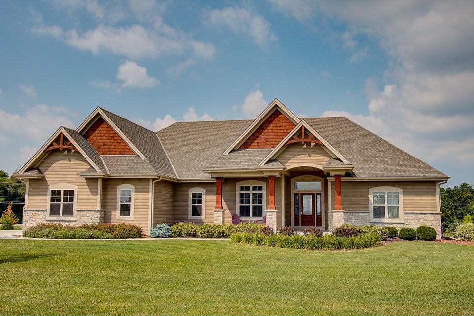 N33W29686 Woodridge Cir,Delafield,Wisconsin 53072,3 Bedrooms Bedrooms,14 Rooms Rooms,2 BathroomsBathrooms,Single-Family,Woodridge Cir,1596946