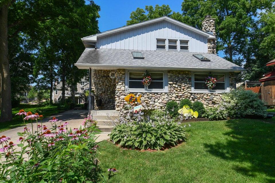 2129 West Shore Dr,Delafield,Wisconsin 53018,2 Bedrooms Bedrooms,5 Rooms Rooms,2 BathroomsBathrooms,Single-Family,West Shore Dr,1597173