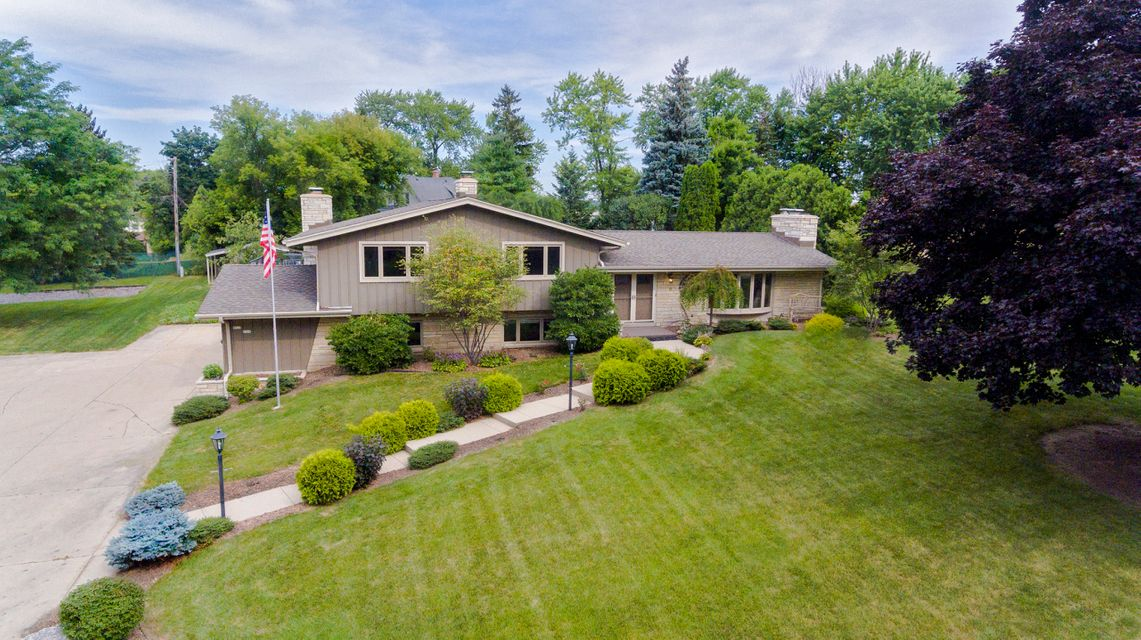 W225N399 Takoma Dr,Pewaukee,Wisconsin 53186,4 Bedrooms Bedrooms,3 BathroomsBathrooms,Single-Family,Takoma Dr,1598518