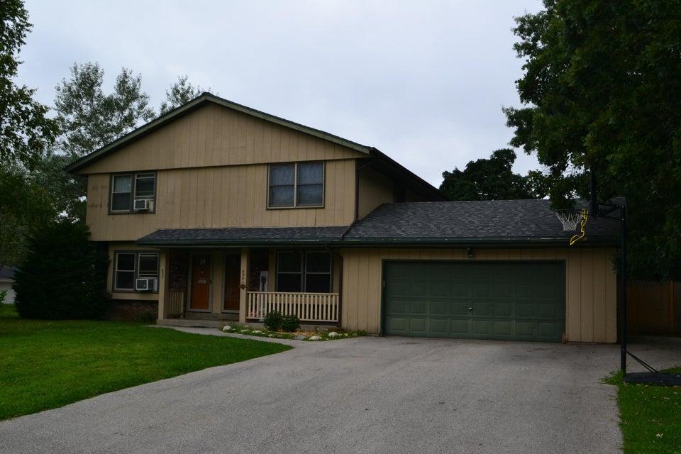 697 Bradford Way, Hartland, Wisconsin 53029, 3 Bedrooms Bedrooms, 5 Rooms Rooms,1 BathroomBathrooms,Two-Family,For Sale,Bradford Way,1,1600202