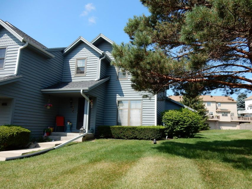 379 Lexington Ct,Pewaukee,Wisconsin 53072,2 Bedrooms Bedrooms,1 BathroomBathrooms,Condominiums,Lexington Ct,1,1599936