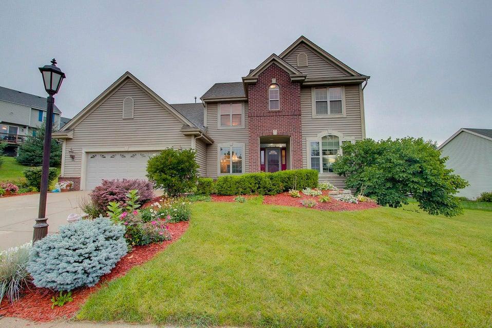 1648 Hunter Rd,Waukesha,Wisconsin 53189,4 Bedrooms Bedrooms,3 BathroomsBathrooms,Single-Family,Hunter Rd,1600426