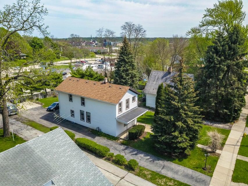 227 Randall St,Waukesha,Wisconsin 53188,1 Bedroom Bedrooms,3 Rooms Rooms,1 BathroomBathrooms,Two-Family,Randall St,1,1600792