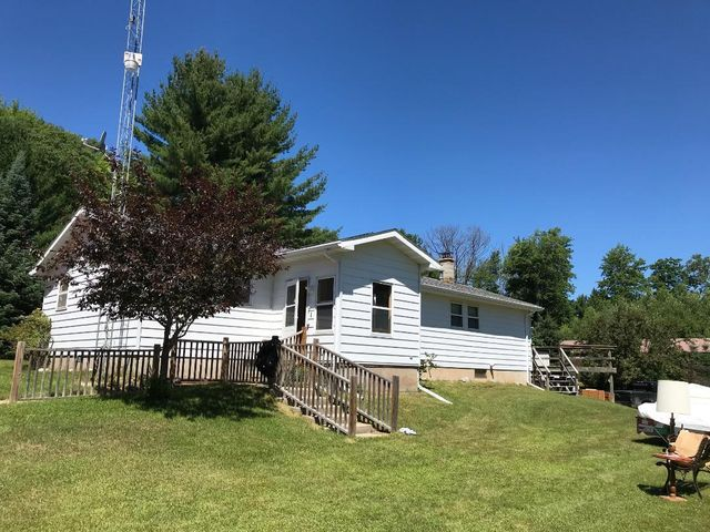 N9479 Quarry Rd, Middle Inlet, WI 54114