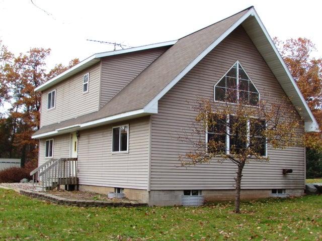 W10250 Twin Lake Rd, Dunbar, WI 54119