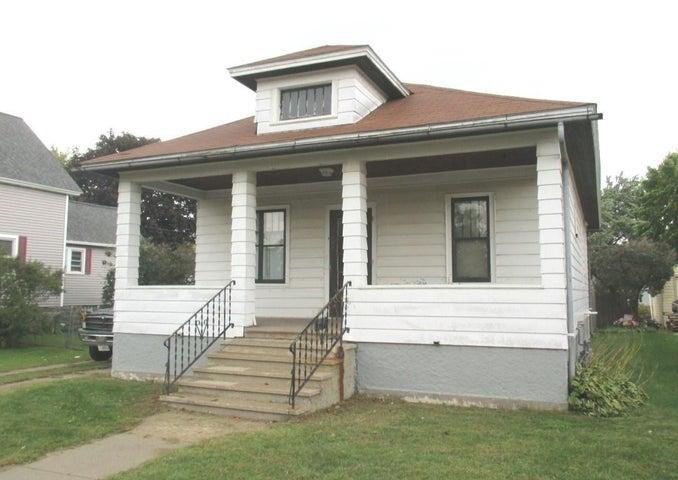 832 Gladstone St., Marinette, WI 54143
