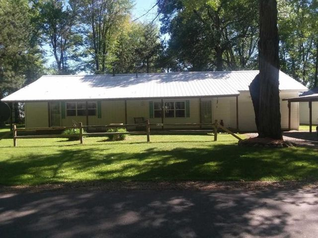 W5815 Lewis Rd, Middle Inlet, WI 54114
