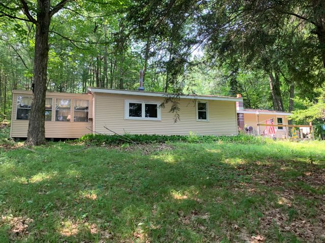 W2365 Twin Pine Ln, Porterfield, WI 54159