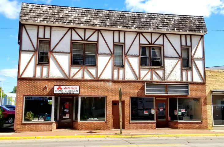 1708-1710 Main St, Marinette, WI 54143