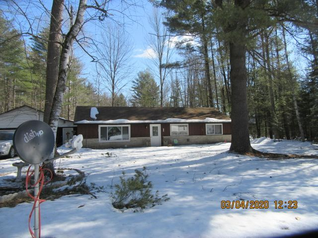 N8642 Pines Rd, Middle Inlet, WI 54177