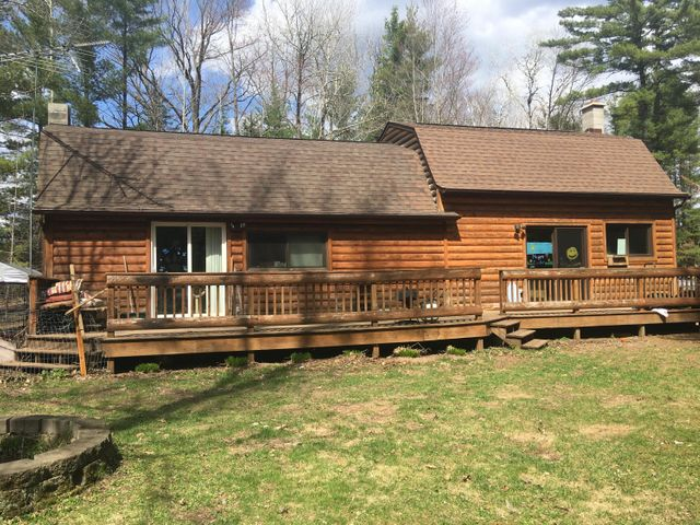W6805 Pike River Rd, Wausaukee, WI 54177