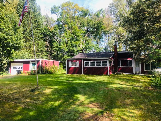 W9788 Central Ave, Middle Inlet, WI 54177
