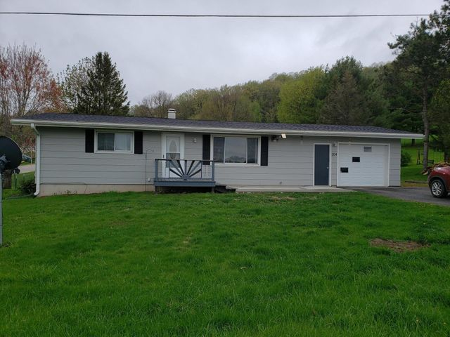 Main Floor living at its finest! Ranch style home on the edge of Norwalk. Large corner lot with nice fence in back yard. Paved drive, heated, drywalled and insulated garage and storage shed .Bathroom has heated ceramic tile floor. Freshly painted, new backsplash in kitchen.24 hour notice please.