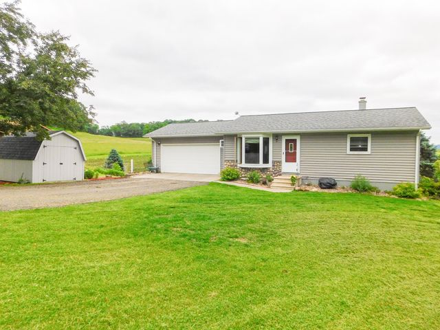 BEAUTIFUL 3 BEDROOM RANCH ON A LARGE LOT WITH GORGEOUS COUNTRY VIEWS! YOUR CHANCE TO OWN YOUR VERY OWN PIECE OF THE COUNTRY!  BEAUTIFUL DECK FOR YOUR ENJOYMENT.MAIN FLOOR HAS OPEN CONCEPT WITH 2 BEDROOMS UPSTAIRS AND 1 BEDROOM DOWN WITH LARGE LAUNDRY ROOM, FAMILY ROOM AND DEN/OFFICE AND A WALK OUT BASEMENT.JUST WHAT YOU ARE LOOKING FOR!