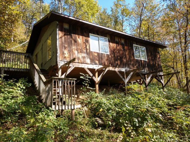 99.8+/- ACRES OF HUNTING AND FISHING PARADISE! THIS PROPERTY FEATURES A 24X36 HUNTING CABIN (NEEDS FINISHING),18+/- ACRES OF TILLABLE, 20+/- ACRES OF PASTURE AND OVER 2500 FEET OF KNAPP CREEK TROUT STREAM. EXCELLENT WOODS WITH SEVERAL NICE DRAWS AND VANTAGE POINTS! A 27 PT BUCK WAS HARVESTED HERE!
