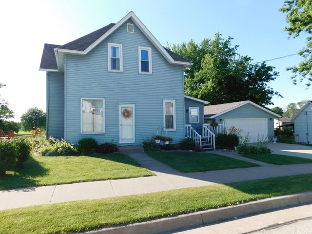 4 bedroom 2 1/2 bath move in ready home! Large backyard with a country view!