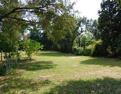 Beautiful and private, one-of-a-kind 1 acre lot on a dead end street, prime location on the OS bike path. House next door for sale separately see MLS #292779