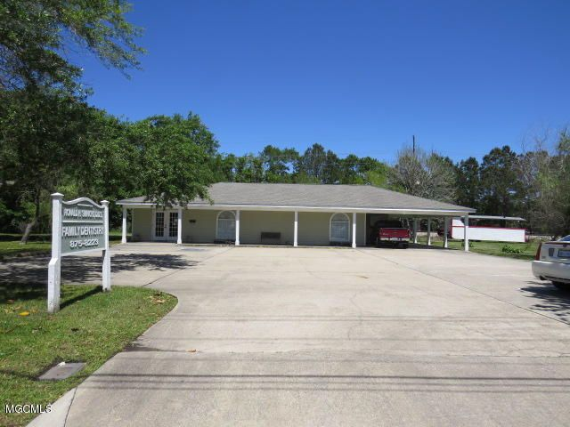 2323 Government St Ocean Springs MS 39564