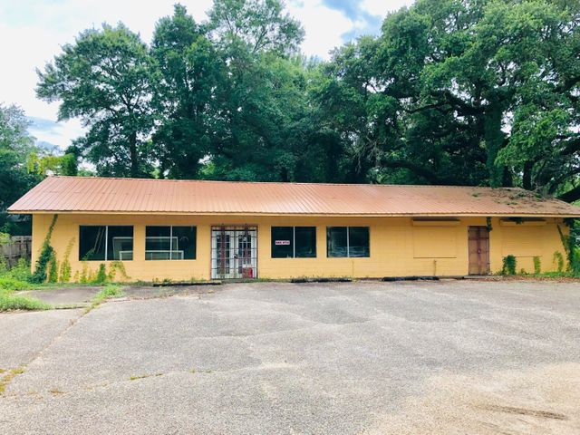 4707 Old Pass Rd, Gulfport, MS 39501