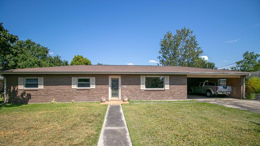 609 Highland Dr, Bay St. Louis, MS 39520
