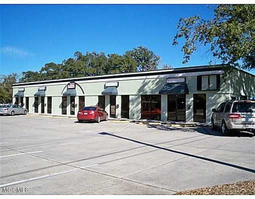 204 Courthouse Rd, Gulfport, MS 39507