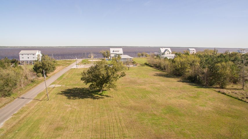 108 Cedar Ridge Ave, Bay St. Louis, MS 39520