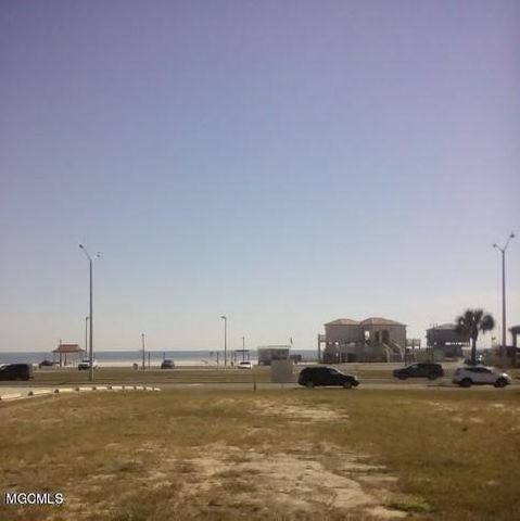 302 E Beach Blvd, Long Beach, MS 39560