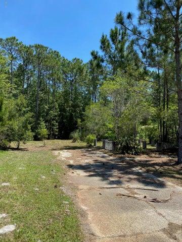 814 Deer Trail Ln, Pass Christian, MS 39571