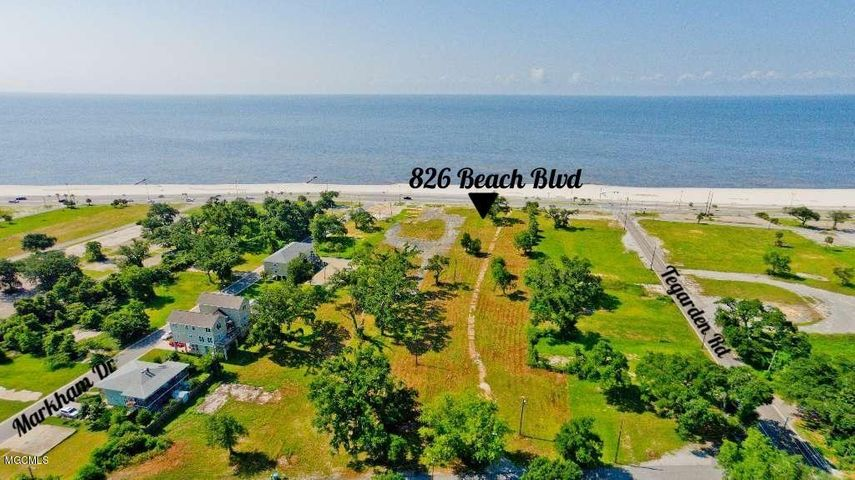 826 Beach Dr, Gulfport, MS 39507