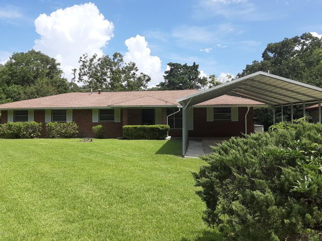 Culdesac privacy for this one owner 4BR home. Whole house generator, safe-entry walk-in tub. Backyard is like your own private world with shade trees and blooming gardens.