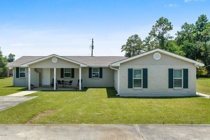 2193/2195 Longfellow Rd, Bay St. Louis, MS 39520