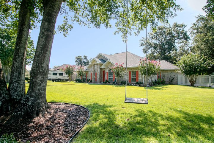 201 E 3rd St, Long Beach, MS 39560
