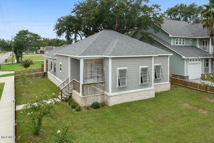 308 South Cleveland Avenue, Long Beach, MS 39560