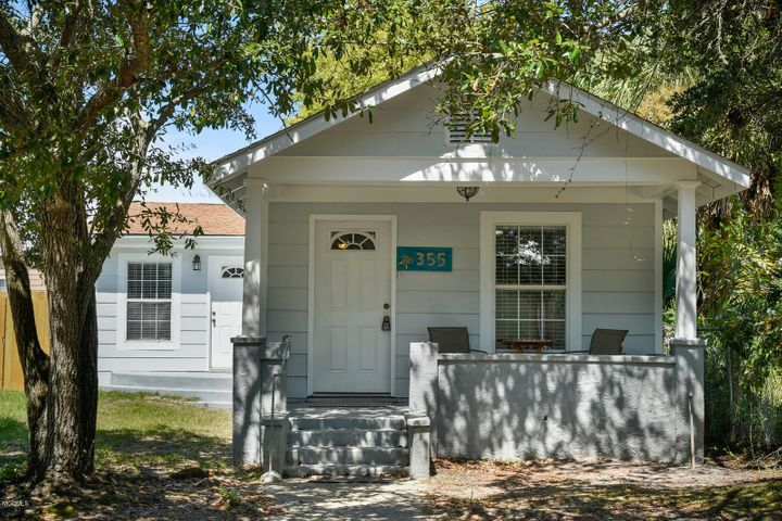 355 Easterbrook St, Bay St. Louis, MS 39520