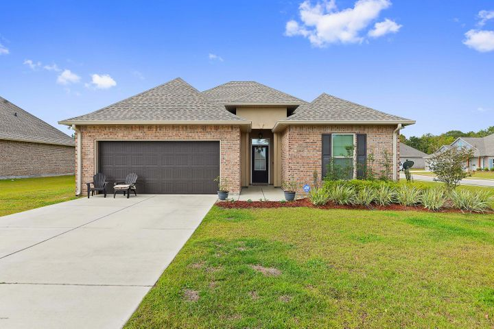 3023 Sea Oats Dr, Long Beach, MS 39560