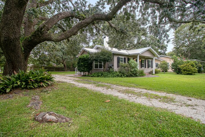 144 Ocean Wave Ave, Long Beach, MS 39560