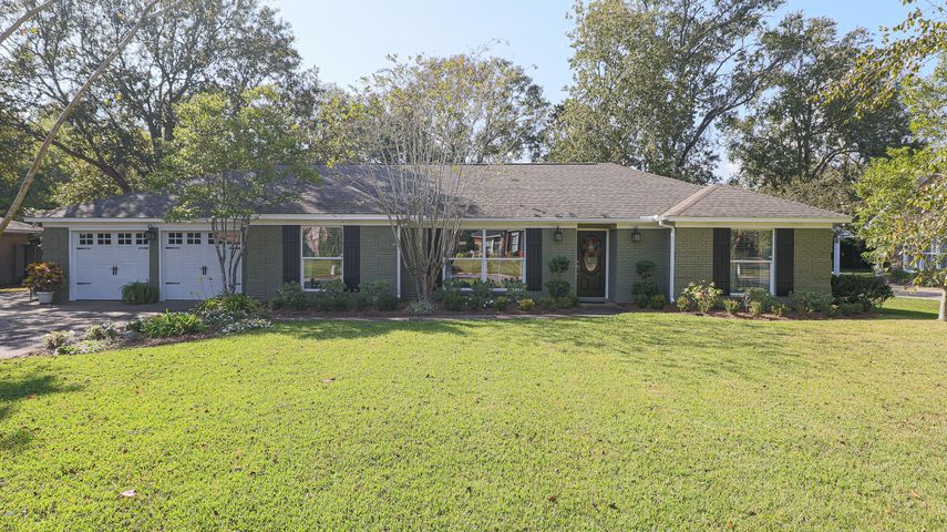 25 Cambridge Ave, Gulfport, MS 39507